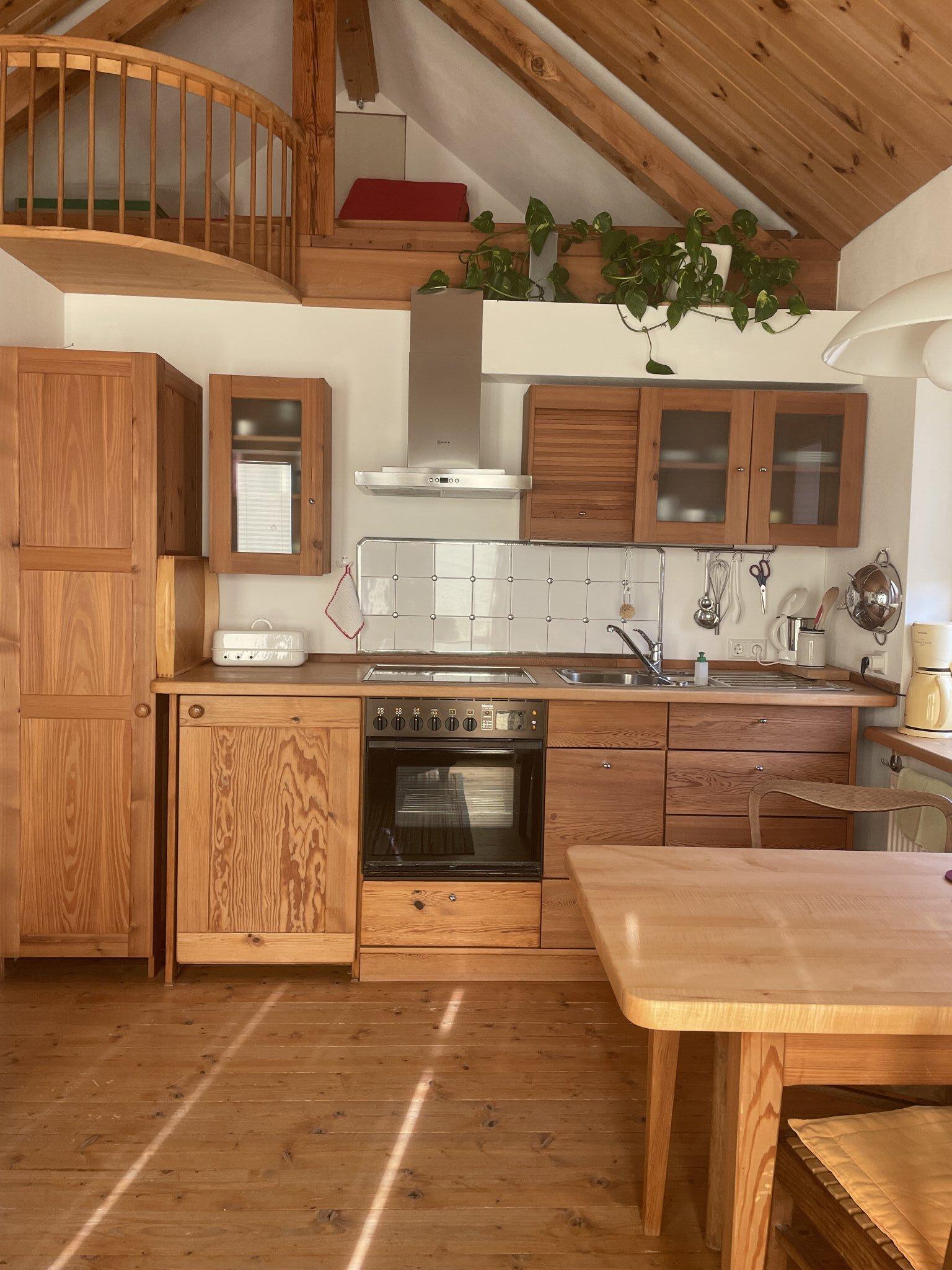Küchenansicht mit Galerie