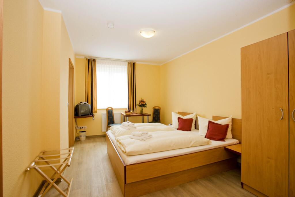 Wassersport Hotel P 430, Nr.01 Doppelzimmer + 1