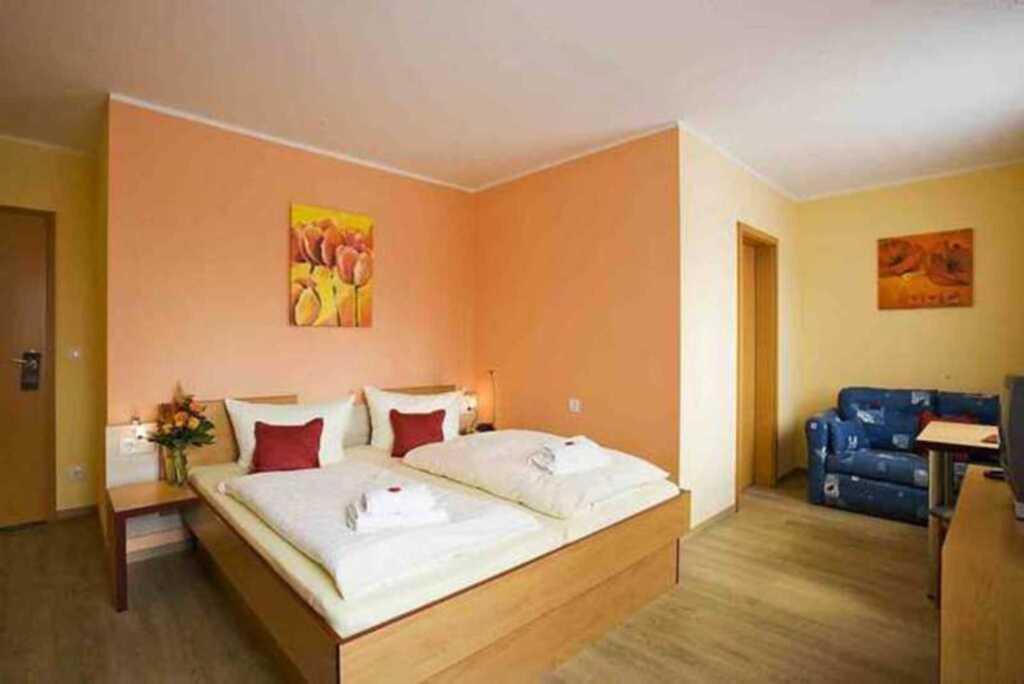 Wassersport Hotel P 430, Nr.09 Dreibettzimmer