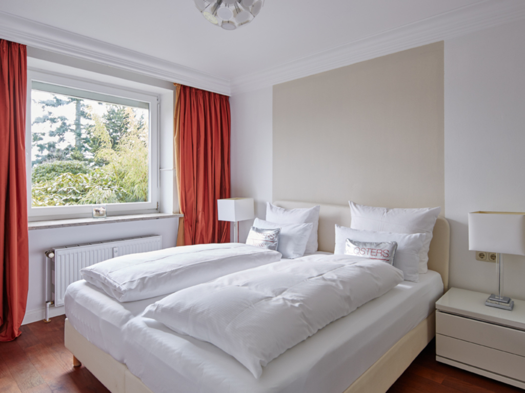 1) Techts Apartmenthaus, I App. Sandburg