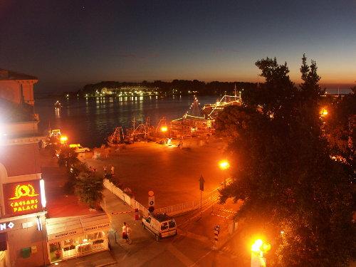 Blicka auf die Insel Sv. Nikola