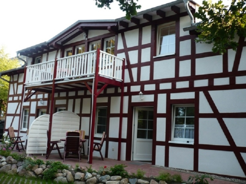 'Villa Rügen' - 300 m zum Strand, Wohnung 3