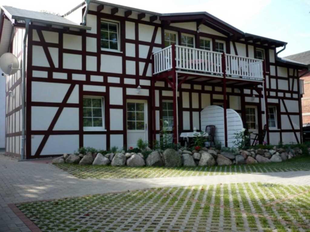 'Villa R�gen' - 300 m zum Strand, Wohnung 1