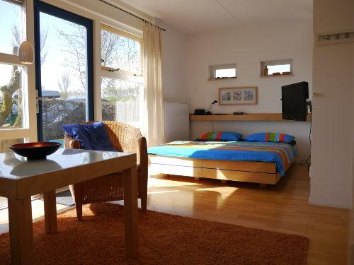 Ein Schlaf-/Wohnraum