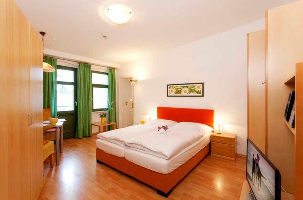 Villa Waldschloss, 13, 1R (2)