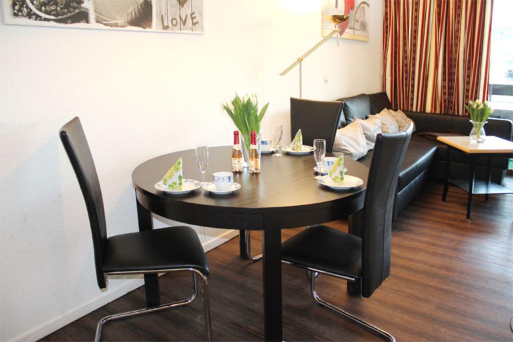 Appartementhaus 'Mecklenburg', (50) 3- Raum- Appar