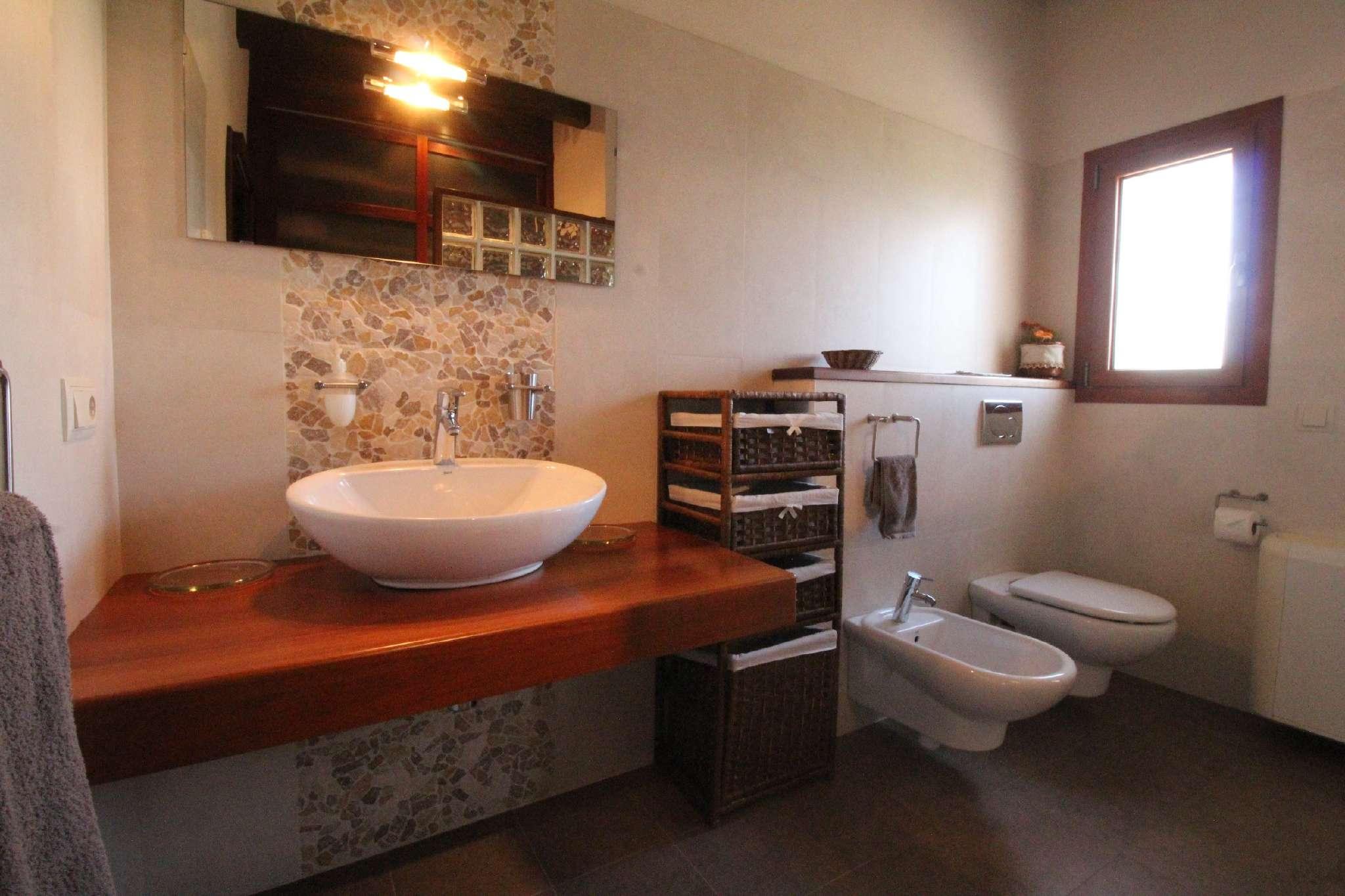 Bad en Suite mit Dusche & Ankleideraum