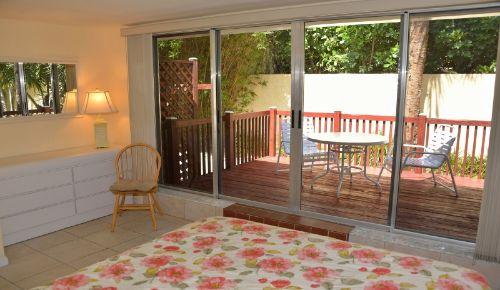 HIBISCUS I Schlafzimmer & Terrasse
