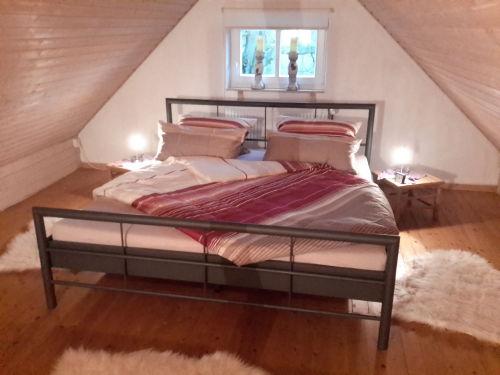 Schlafzimmer Bett 180 cm x 200 cm