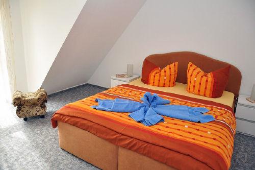Blick in eine Fewo (Schlafzimmer)