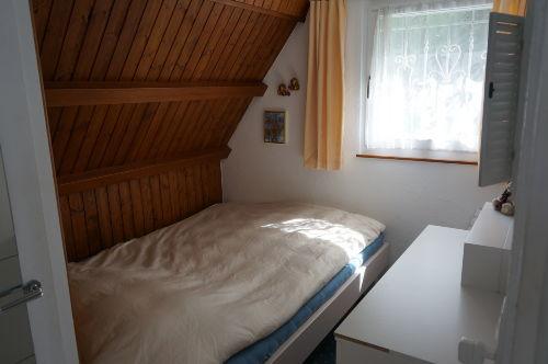 Schlafzimmer Erdgeschoss (Bett 140x200)