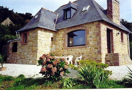 Das Haus vom Garten aus