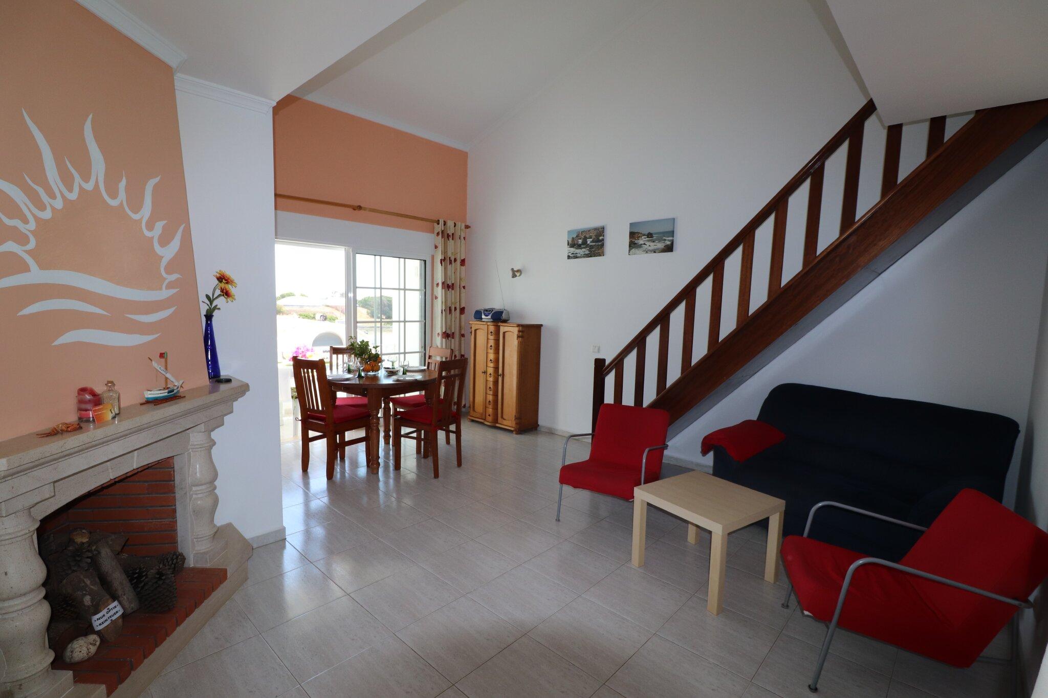 Essbereich mit Meerblick + Balkon