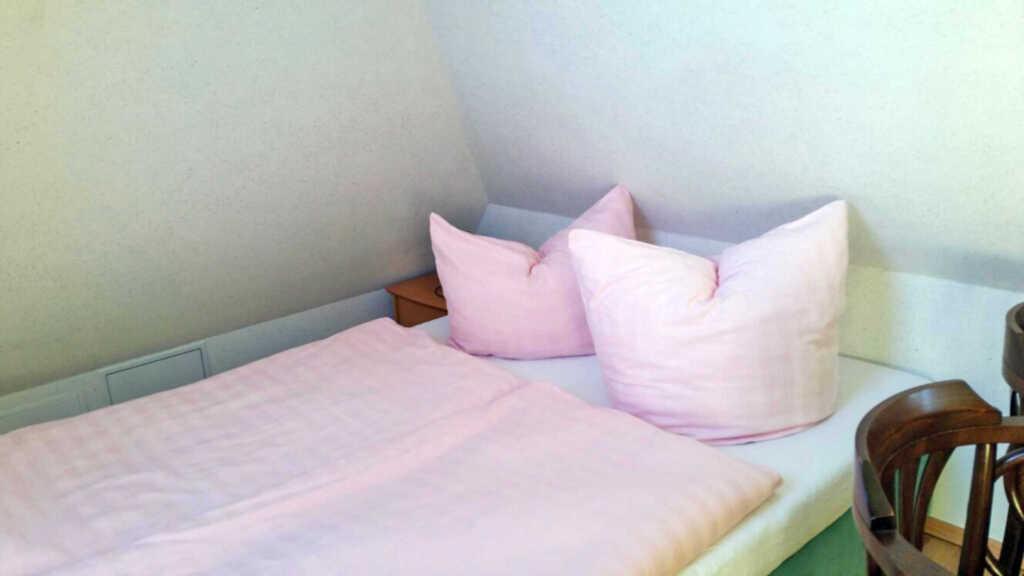 kleine Pension in Born, Doppelzimmer mit Küche