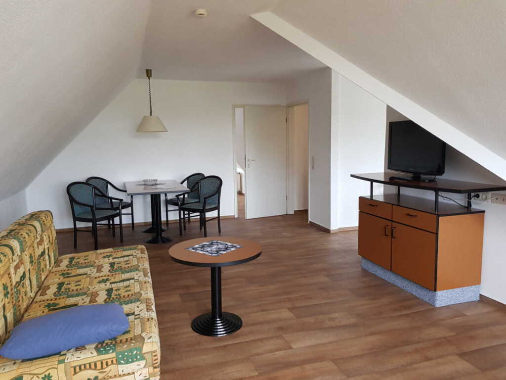 Strandhaus Lobbe Whg 18+Balkon, 2 Raum Apartment