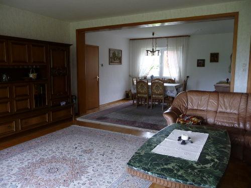 Wohnzimmer mit Blick auf den E�bereich