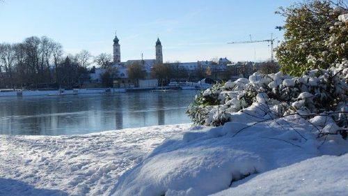 Kleiner See im Winter