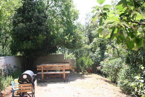 Garten mit Grill für unsere Gäste