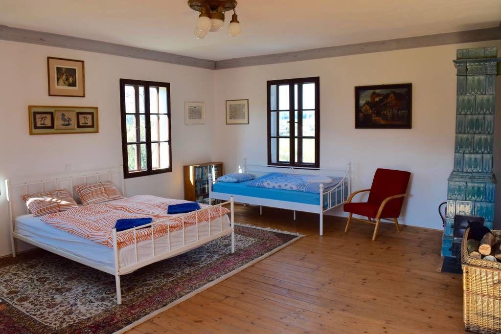 Schlafzimmer Nr.1 (mit Kachelofen)