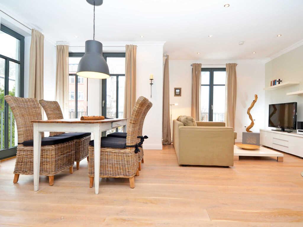 Villa Paula F501 WG 03 mit Balkon + Aussenpool, PL