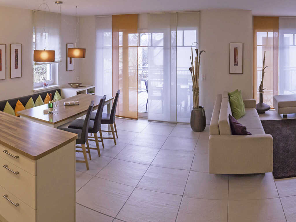 Casa Sellin F586 WG 1 mit gr. Balkon + Gartennutzu