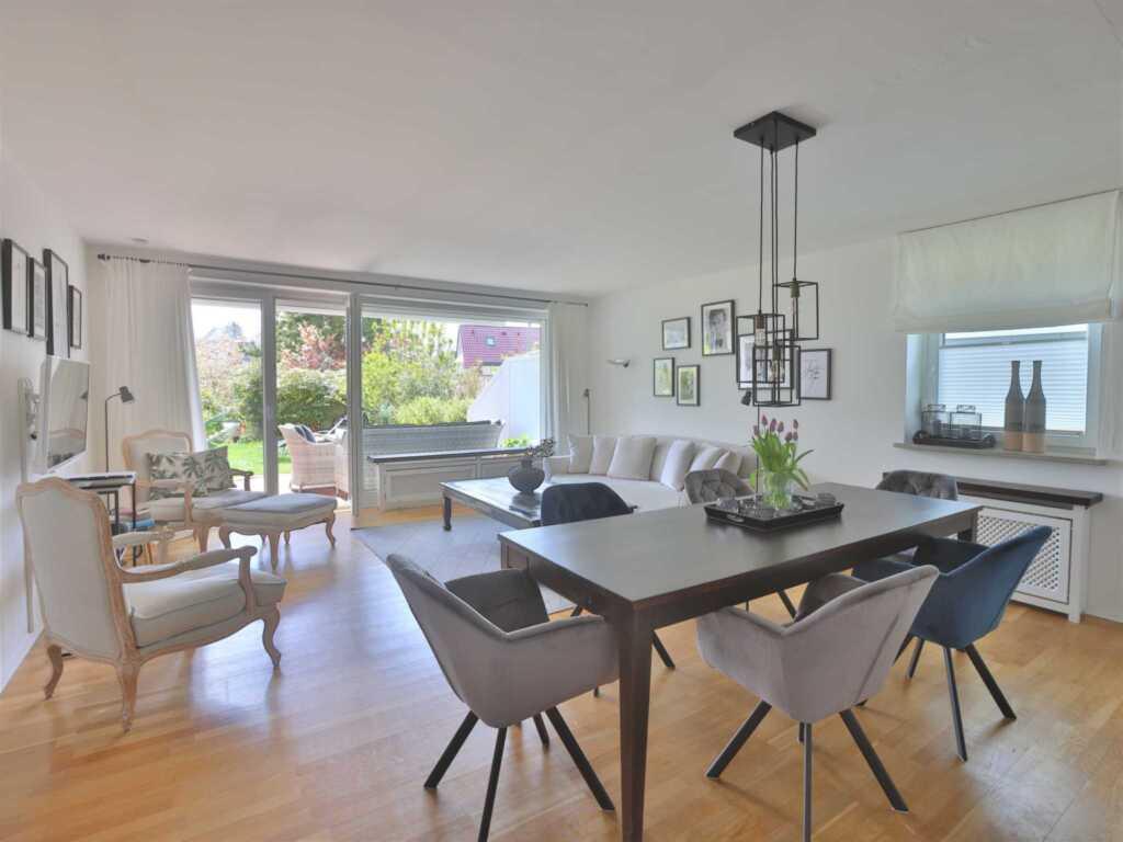 1) Techts Apartmenthaus, II App. Seestern