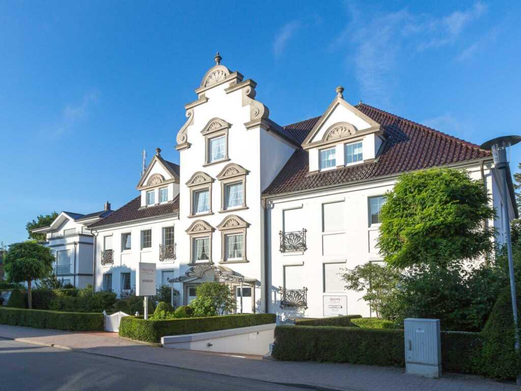 1) Techts Apartmenthaus, II App. Sonnenschein