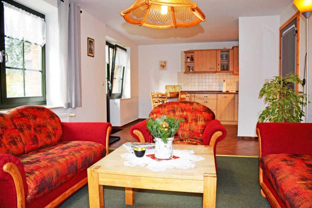 Lindenhof Groß-Zicker, (06) Ferienappartement Hühn
