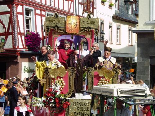 Weinfestumzug in Bernkastel-Kues