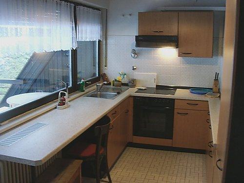 Küche mit Balkon nach Western