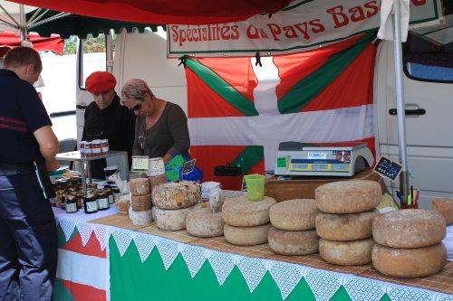 Markt in Mimizan-Plage - baskische Spez.