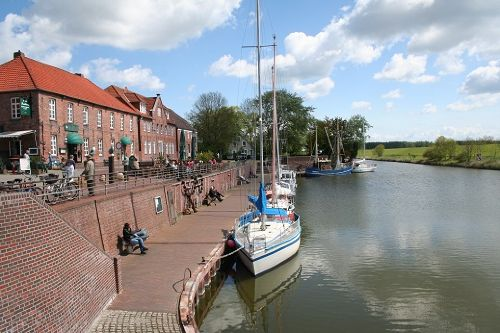 alter Hafen in Hooksiel