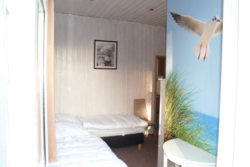 39 haus anneliese 39 ferienwohnungen mit meerblick fewo mit veranda in stubbenfelde mecklenburg. Black Bedroom Furniture Sets. Home Design Ideas