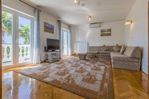 Wohnzimmer großes App. Teil 1