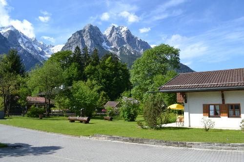 Blick auf Alpspitze und Waxenstein