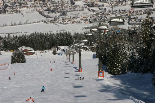 Skifahren mit Blick auf Radstadt