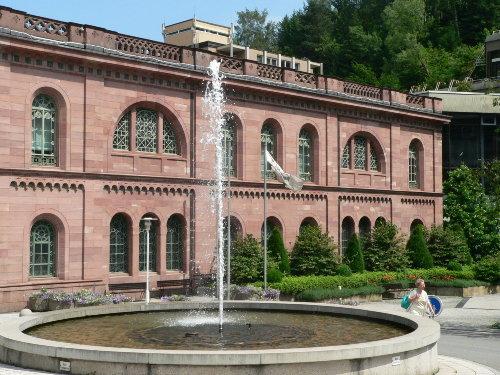 Nostalgischer Badetempel Palais Thermal