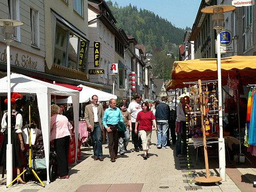 Wandern und Rasten im Kleinenztal