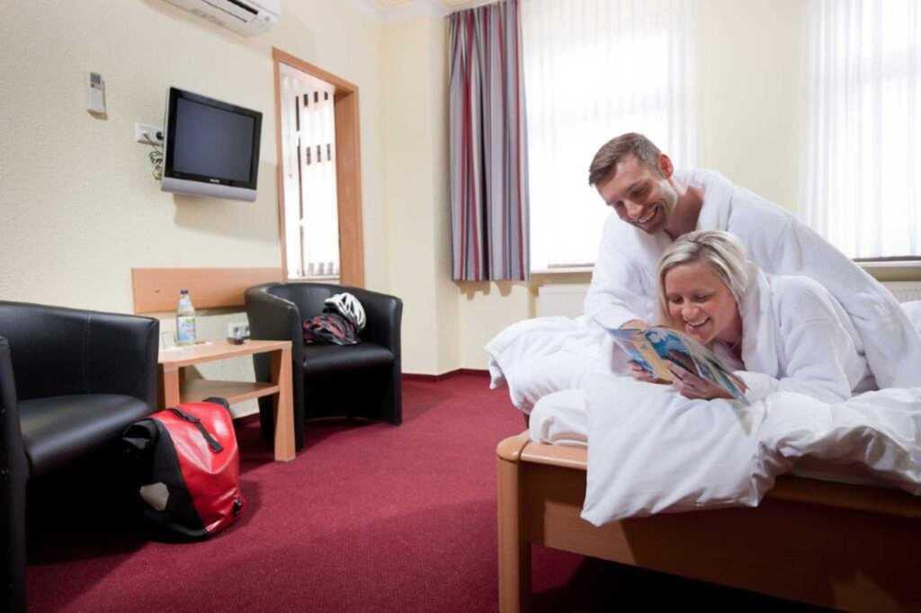 Hotel-Pension 'Am Schwanenteich', Familienzimmer 1