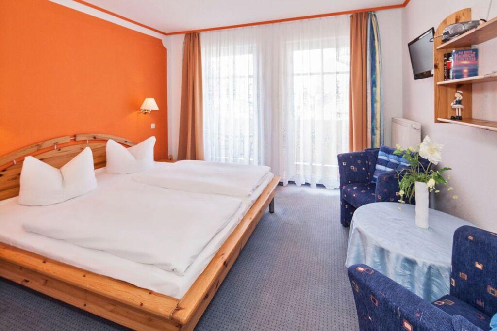 Pension und Ferienwohnungen Haus Antje, Zimmer 8