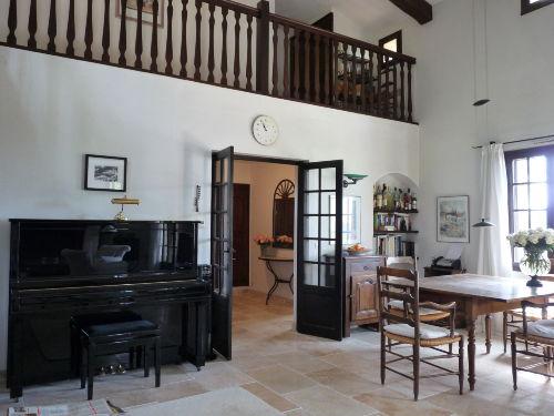 WZ mit Essbereich und Blick auf Galerie