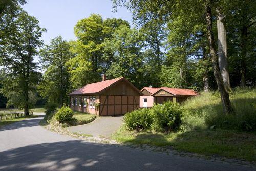 Dornröschenhaus mit extra Saunagebäude