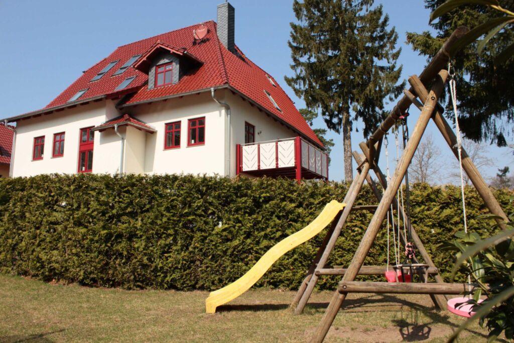 Villa Zollernhöhe, Ferienwohnung 1 mit Terrasse