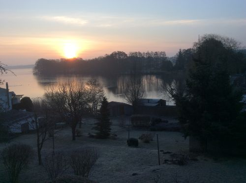 Sonnenaufgang �ber dem Carwitzer See