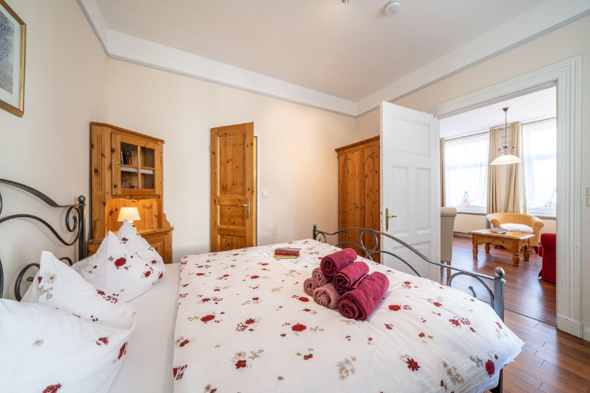 Zusatzbild Nr. 01 von Gr�nderzeitvilla 'Villa Harmonie' - Ferienwohnung Schneegl�ckchen