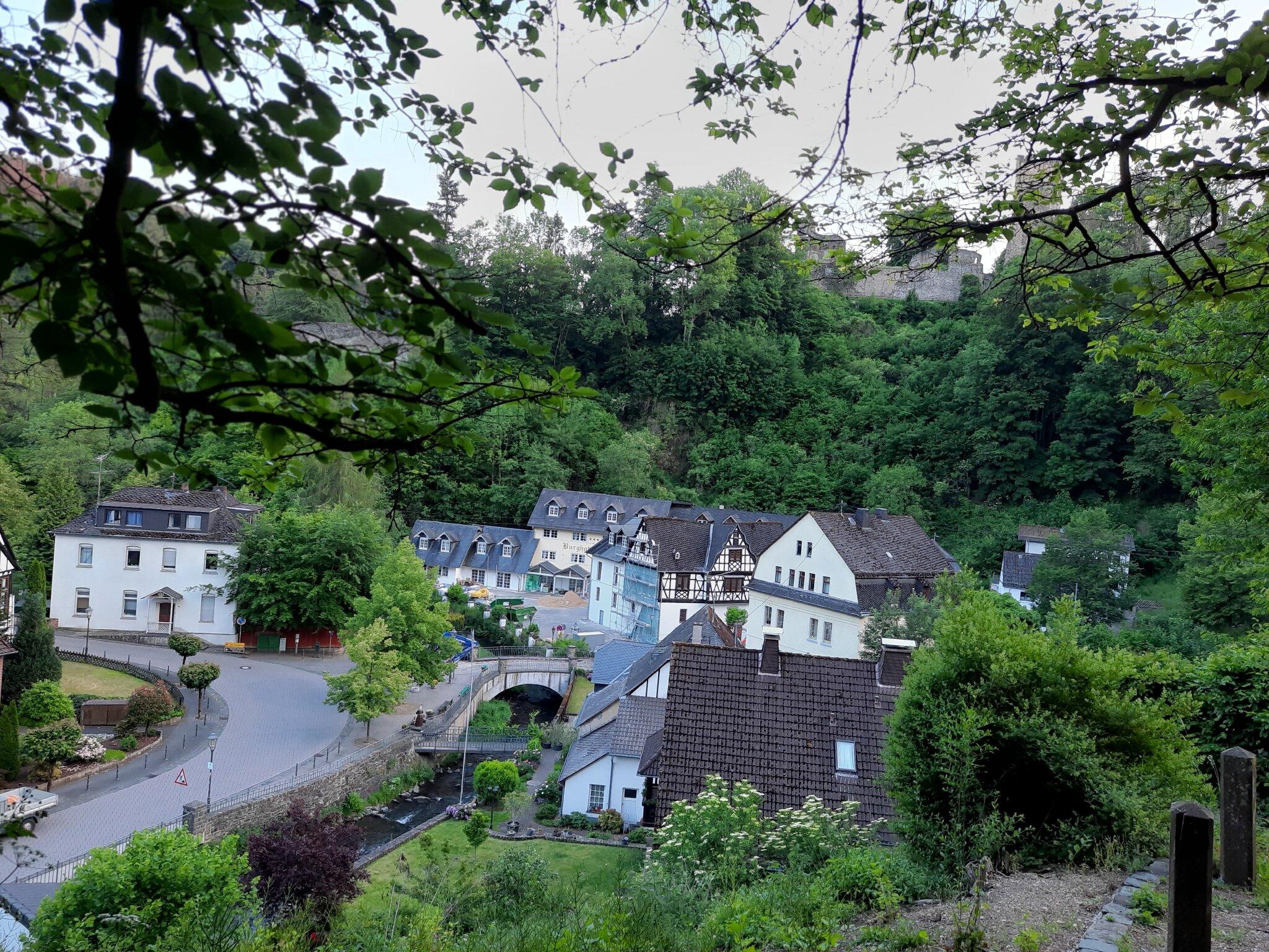 idyllisch in Grenzau gelegen, nahe A48