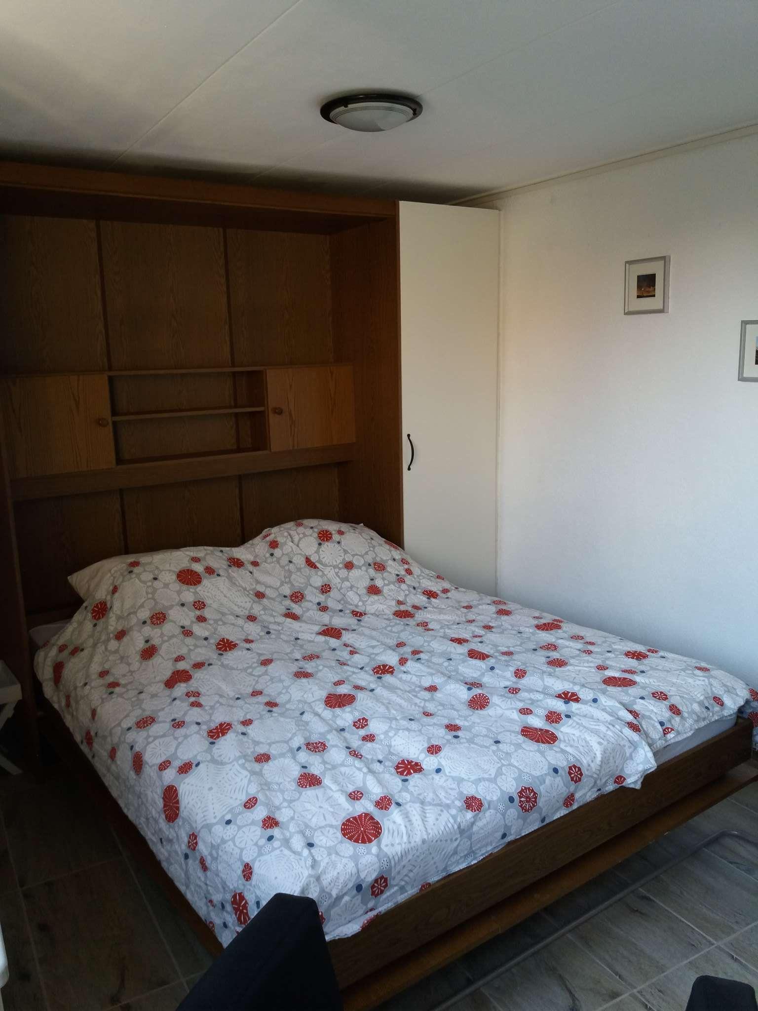Hochklappbare Betten