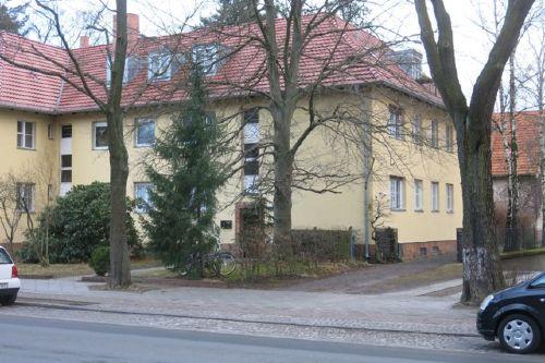 Strassenfront des Hauses