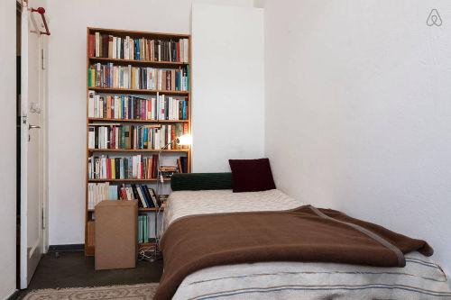 Einbett-Schlafzimmer