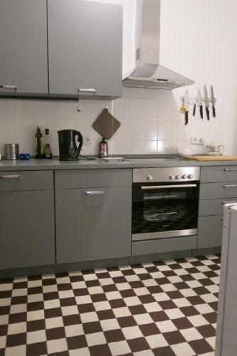 Küche mit Herd + Spülmaschine